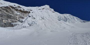Ascensión Island Peak, nepal. Alpinismo Island Peak. Escalada Island Peak. Trekking y ascensión al Island Peak. Travesía Nepal. Travesía Island Peak.