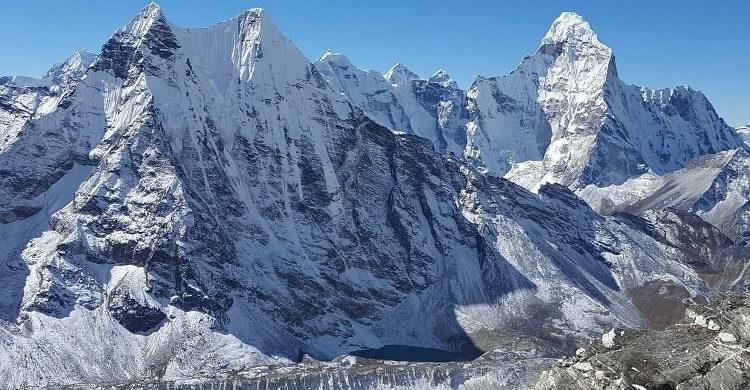 Ascensión al Island Peak, nepal. Alpinismo Island Peak. Escalada Island Peak. Trekking y ascensión al Island Peak.